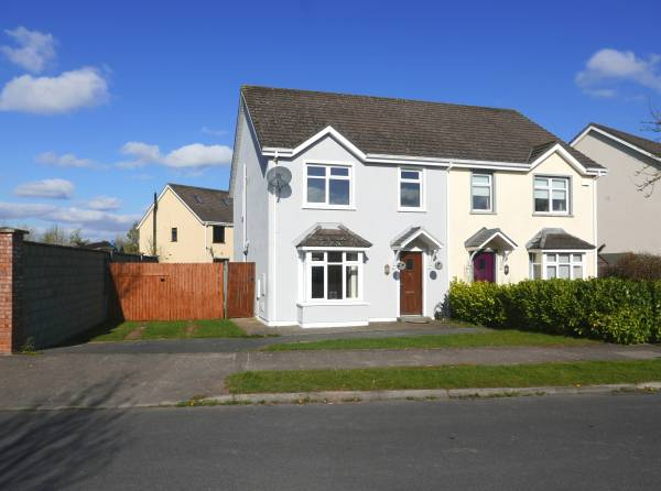 3 Bed Semi-Detached House on a Large Site