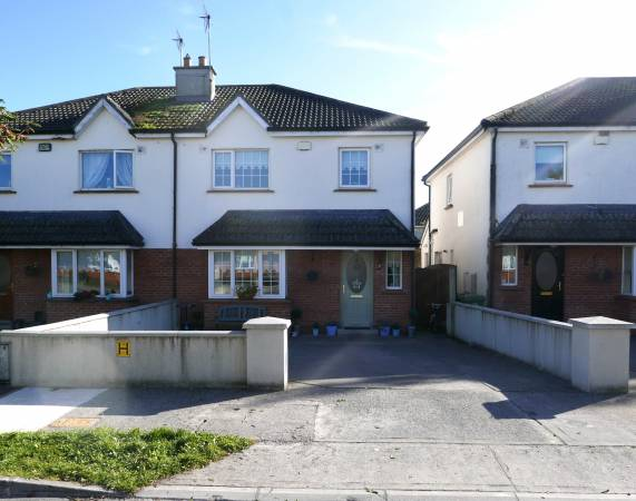 71 Na Cluainte, Portarlington, Co. Offaly.