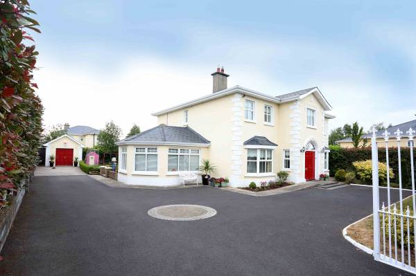 4 Carriglea, Killenard, Co. Laois.