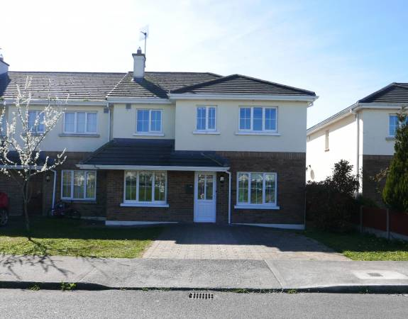 Large 4 Bed End of Terrace with Extension
