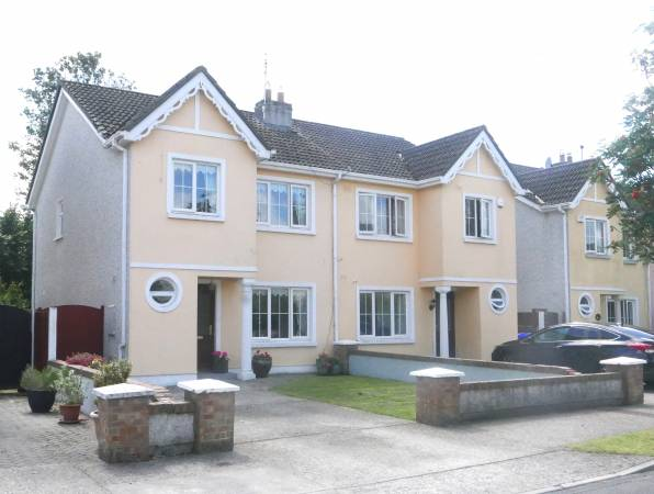 3 Bed Family Home with Garden Oasis